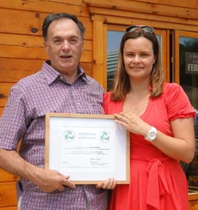 Mr Jean-Pierre Nepveu, Mayor of the City of Estérel and Mrs Maude Lauzon-Gosselin, Project Director at Enviro-access
