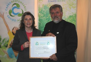 Mrs. Manon Laporte, president and CEO of Enviro-access and Mr. Luc Cayer, mayor of the municipality of Stoke