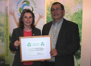 Mme Manon Laporte, présidente-directrice générale d'Enviro-accès et M. Bernard Vanasse, maire de la municipalité de Compton